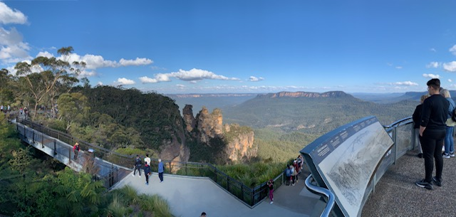 Enjoy The Views On The Viewing Platforms Of The Blue Mountains And The Three Sisters.